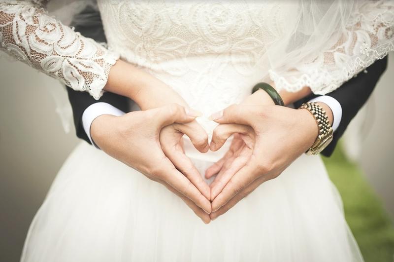 Как отметить кожаную свадьбу, советы по проведению 3 годовщины
