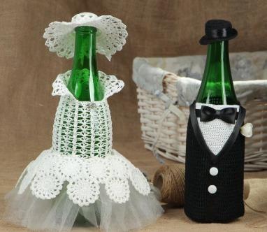Вязанные футляры жениха и невесты.